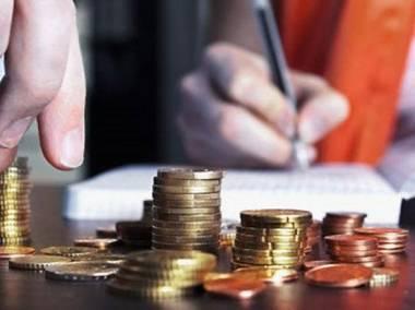 Банки приостанавливают кредитование в тенге