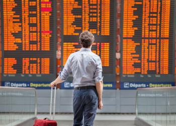 Кому грозит запрет на выезд из Казахстана?