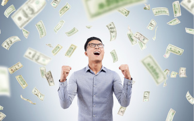 Клиентам пообещали списание долгов и 15 призов